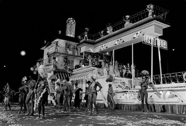 carnaval_down