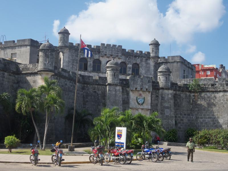 cuartel de policia de cuba y Chacon