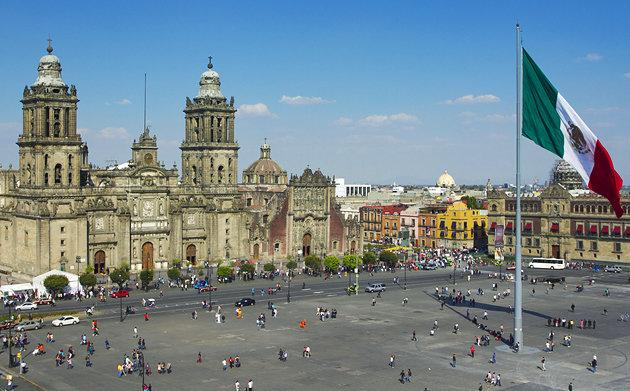 mexico zocalo-plaza-de-la-constitucion