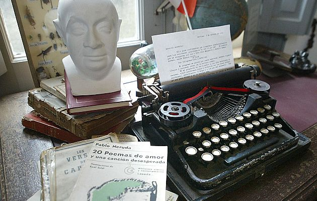Partial view of Chilean Pablo Neruda's office at his house in Atlantida, a resort near Montevideo, Uruguay, 21 September 2003. Next 12 July commemorates the 100th anniversary of Neruda's birth, who was the author of the most read love poems in the world. Neruda adhered to the Chilean Communist Party in the 40's and in 1945 became Senator of the Republic. Diplomatic in Burma, Ceylon and Java, he knew also the underground and the exile. He died in 1973, 12 days after Augusto Pinochet's coup d'etat against constitutional President Salvador Allende. AFP PHOTO/Miguel ROJO