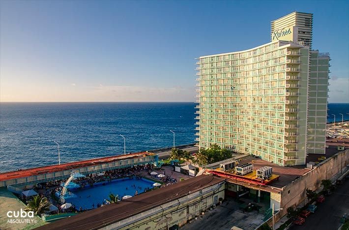 Riviera hotel in Vedado, view of the pool © Cuba Absolutely, 2014 - 2020