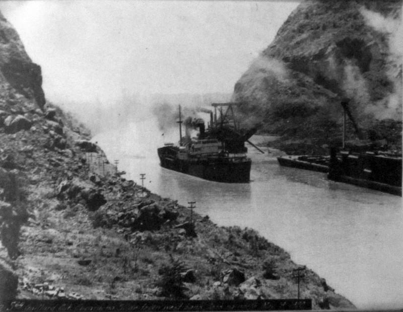 canal-panamc3a1-800x619