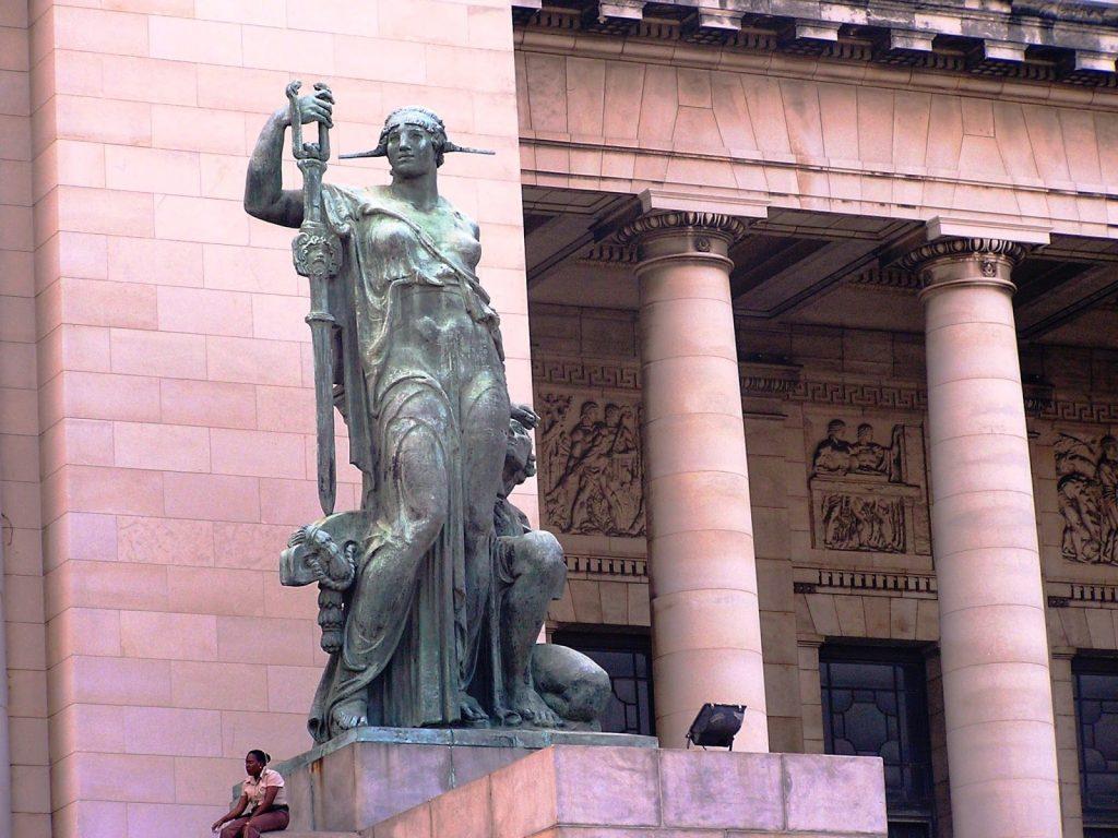 5-capitolio-estatua-exterior