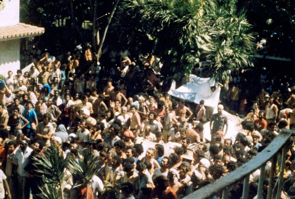000cubanos en embajadaperu