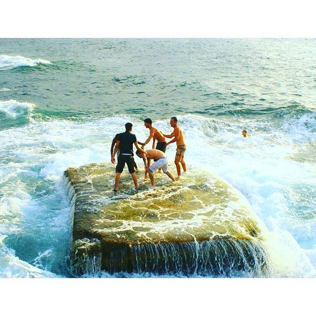 cubanos inventaron piscina al reves